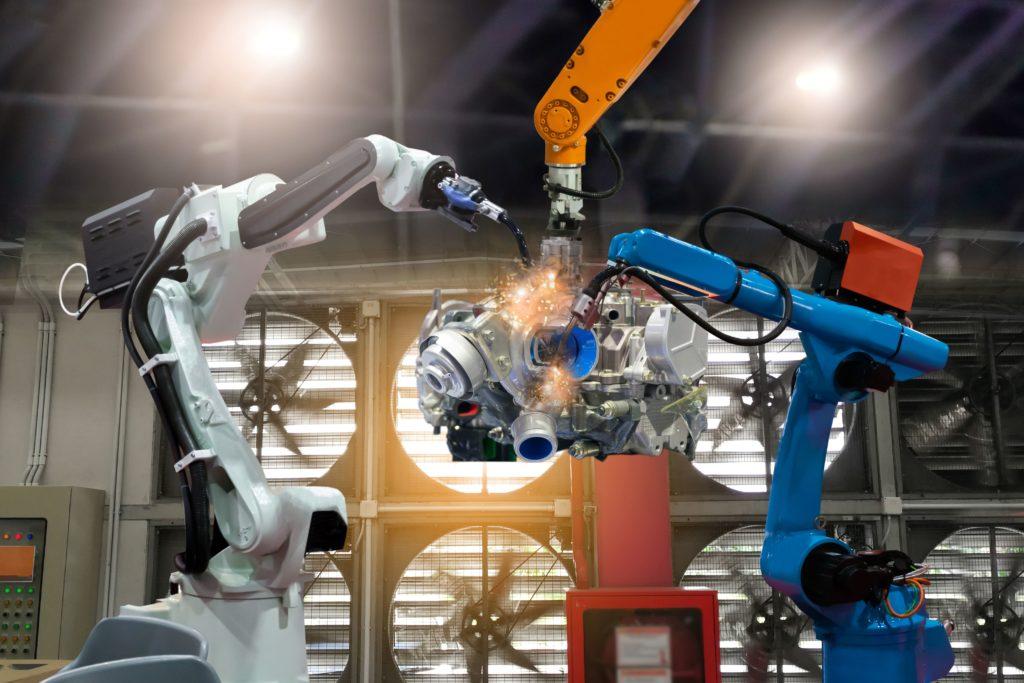 cómo equilibrar el coste, rendimiento y riesgo de equipos industriales, automatización y robotización