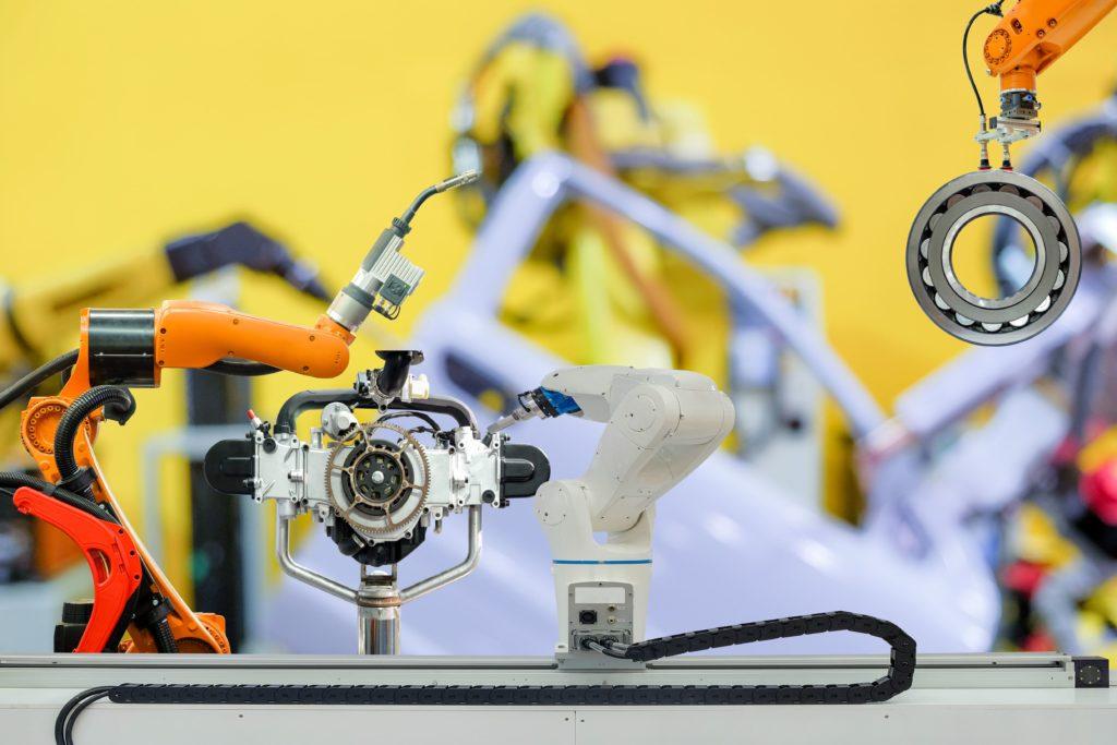 Robótica en la industria, la producción eficiente, robots fijos