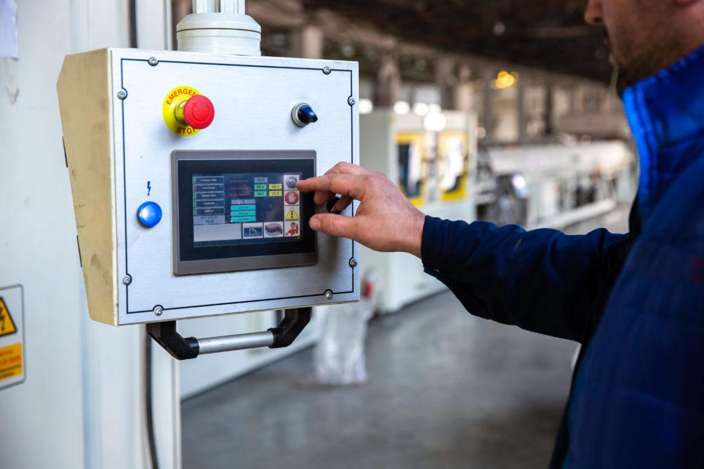 cómo ajustar el consumo energético a las necesidades de tu fábrica